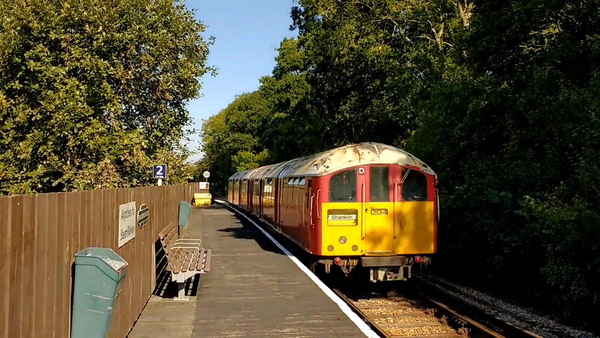 SWR Island Line Class 483 train at Smallbrook Junction