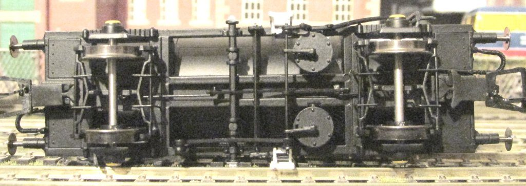 Undercarriage Photo of Heljan Tank Wagon